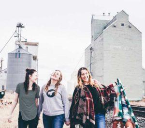 smiling-women-walking-in-brisbane